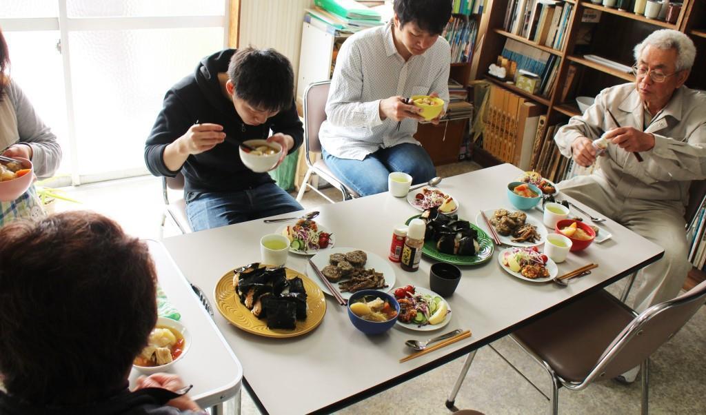 昼食会 2016年4月_f0220354_13274984.jpg