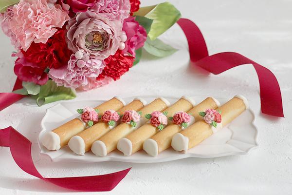 母の日のフラワーアレンジメントとお菓子_f0149855_18302645.jpg