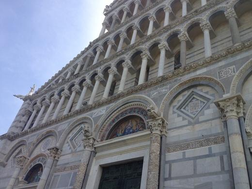ドゥオモに残る聖レパラータとピサの疑惑の関係_a0136671_6234059.jpg