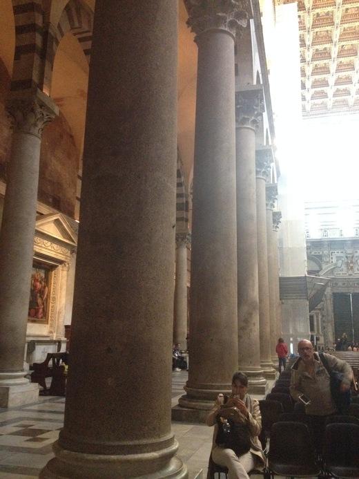 ドゥオモに残る聖レパラータとピサの疑惑の関係_a0136671_684565.jpg