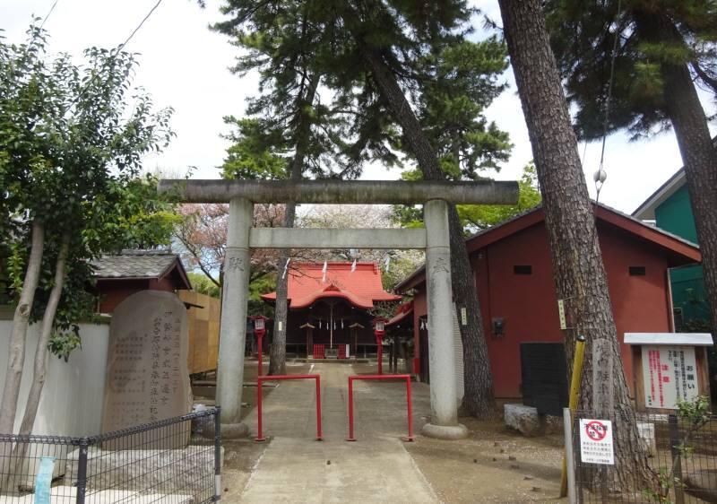上水本町の稲荷神社(上鈴木)_f0059673_06165726.jpg