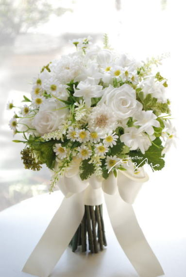 野の花を束ねたようなクラッチブーケ!_a0136507_21421381.jpg