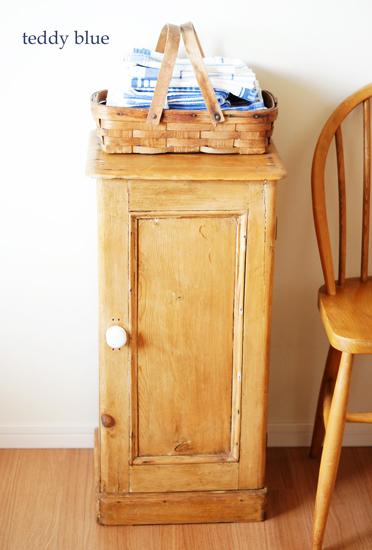 antique old pine cabinet オールドパイン キャビネット_e0253364_21421110.jpg