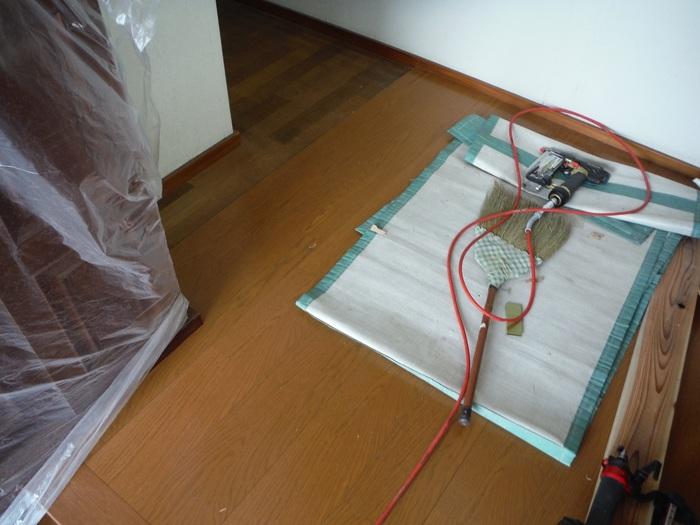キッチンと廊下 ~ 床工事。_d0165368_5304239.jpg
