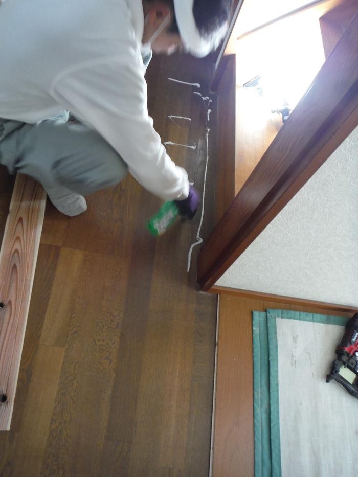 キッチンと廊下 ~ 床工事。_d0165368_531764.jpg