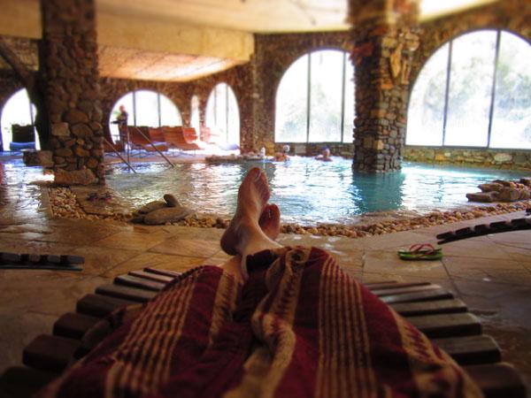 人数制限のあるマレンマ地区のリッチな温泉へ!!_c0179785_046401.jpg
