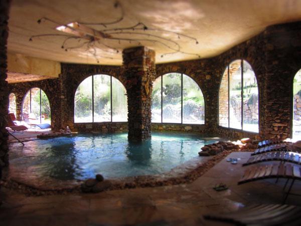 人数制限のあるマレンマ地区のリッチな温泉へ!!_c0179785_0465134.jpg