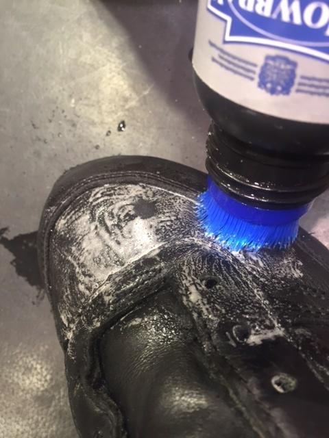 スニーカーを洗う_b0226322_19212884.jpg