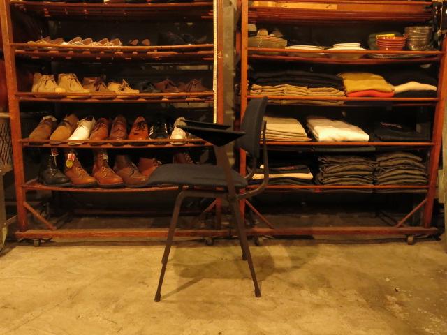 "\""Friso Kramer Revolt Arm Chair / Ahrend De Cirkel\""ってこんなこと。_c0140560_1051878.jpg"