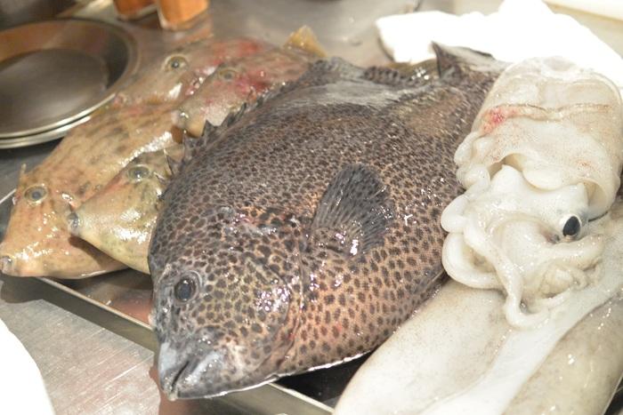 こんな時だからこそ!熊本県天草産の魚、たくさん入荷しています!!!&4月19日(火)のランチメニュー_d0243849_23344942.jpg