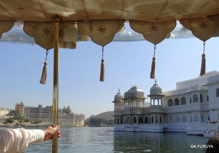 インド・ラジャスタンの旅 15 タージ・レイク・パレス_a0092659_10391855.jpg