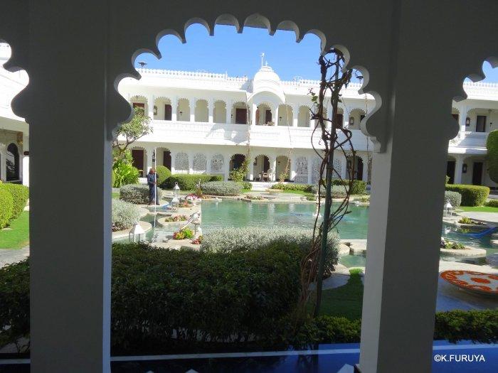 インド・ラジャスタンの旅 15 タージ・レイク・パレス_a0092659_17445810.jpg