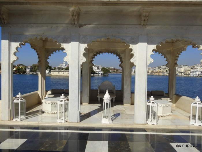 インド・ラジャスタンの旅 15 タージ・レイク・パレス_a0092659_17453715.jpg