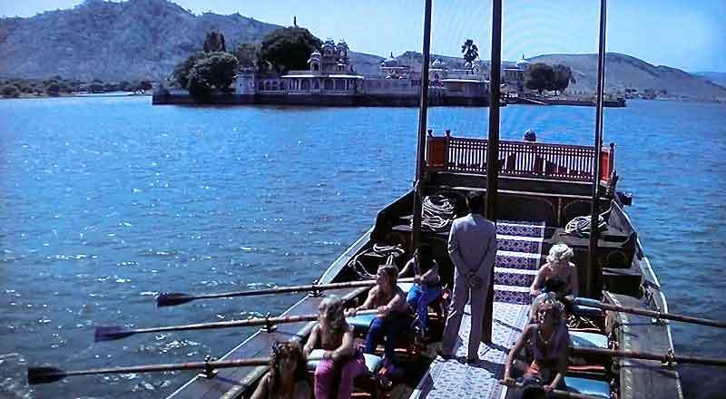 インド・ラジャスタンの旅 15 タージ・レイク・パレス_a0092659_17490375.jpg