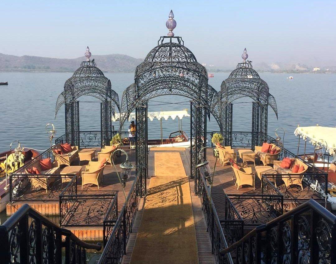 インド・ラジャスタンの旅 15 タージ・レイク・パレス_a0092659_18165331.jpg