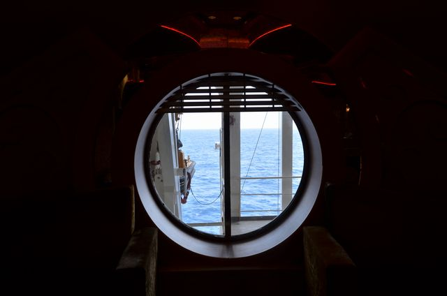 船内にて~_e0098241_11305427.jpg