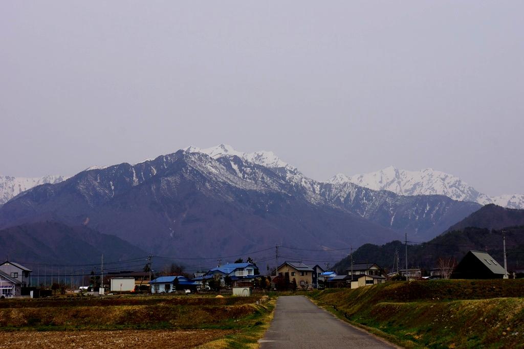 mountains & a park(長野県大町市からの山の風景とちひろ美術館 ...