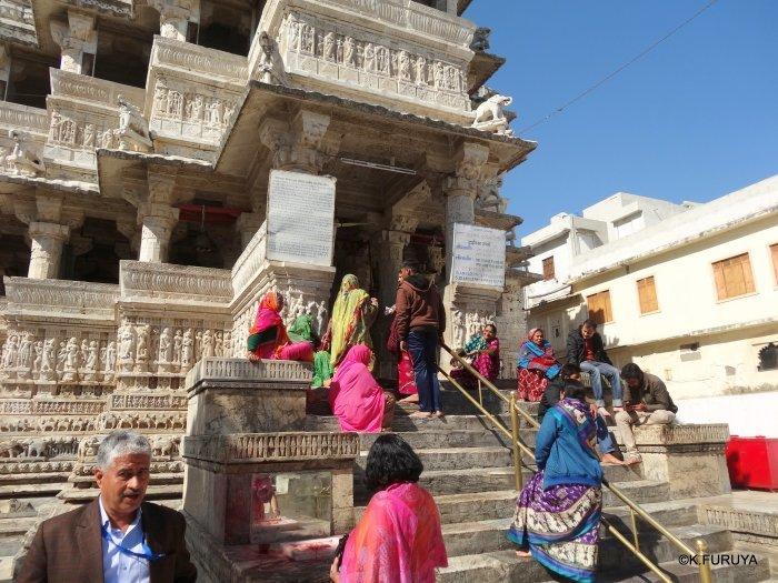 インド・ラジャスタンの旅 16 ウダイプールひとり歩き_a0092659_22202412.jpg