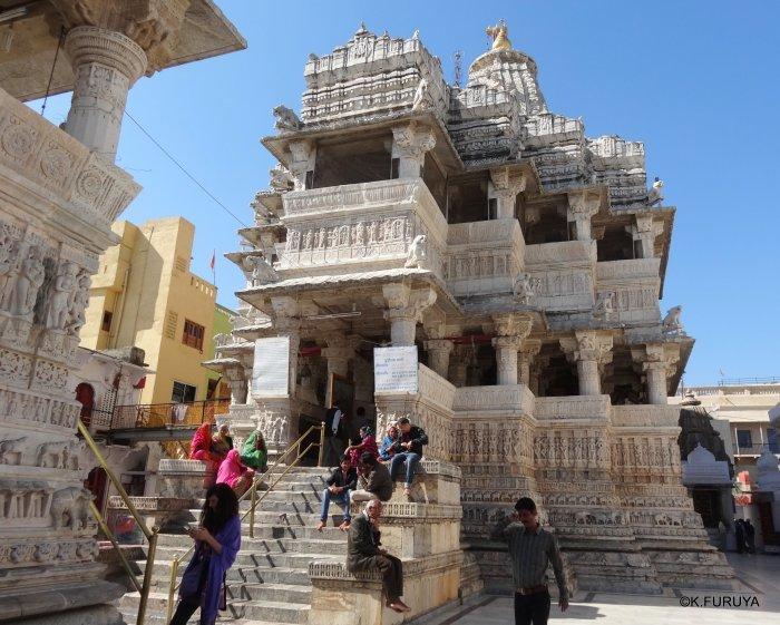 インド・ラジャスタンの旅 16 ウダイプールひとり歩き_a0092659_22222755.jpg