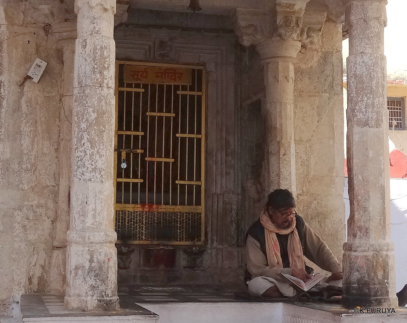インド・ラジャスタンの旅 16 ウダイプールひとり歩き_a0092659_22340693.jpg
