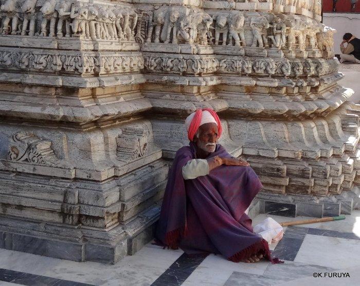 インド・ラジャスタンの旅 16 ウダイプールひとり歩き_a0092659_22344574.jpg