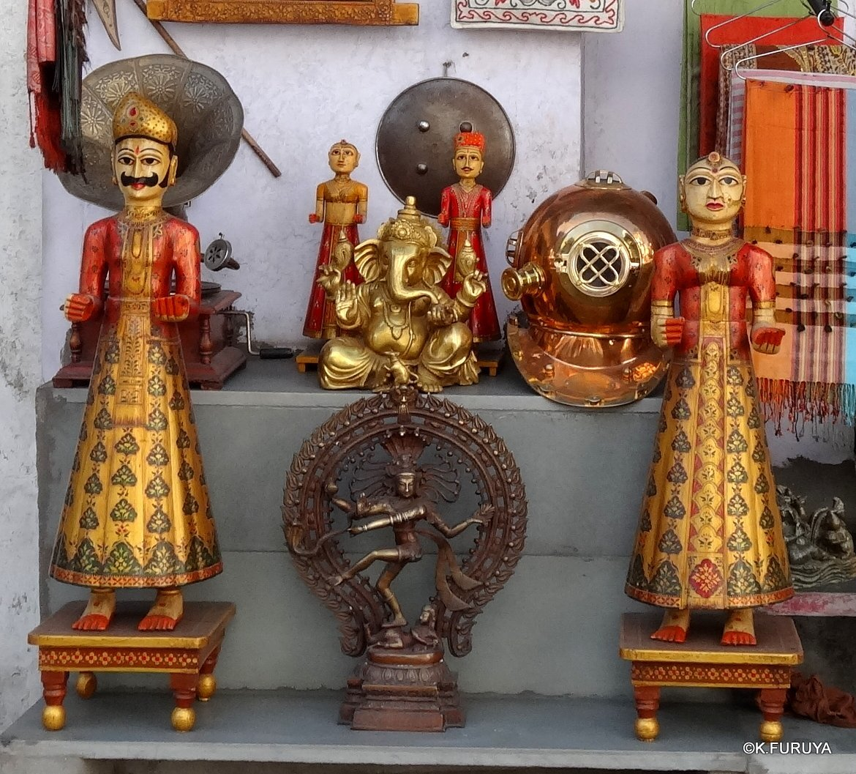 インド・ラジャスタンの旅 16 ウダイプールひとり歩き_a0092659_22381475.jpg