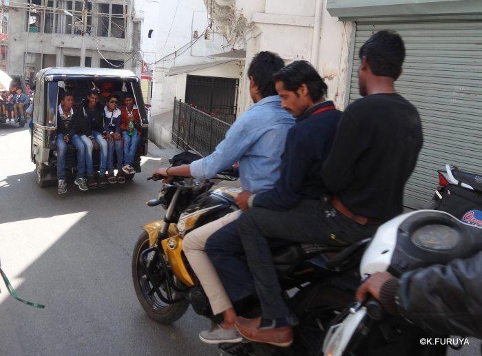 インド・ラジャスタンの旅 16 ウダイプールひとり歩き_a0092659_23025899.jpg