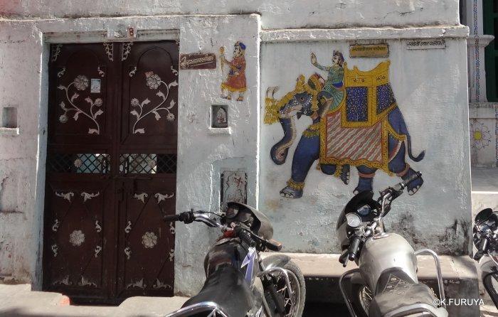 インド・ラジャスタンの旅 16 ウダイプールひとり歩き_a0092659_23032714.jpg