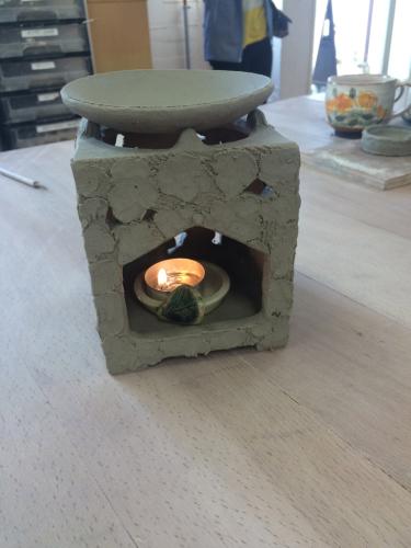 茶香炉と板皿_c0298879_21040829.jpg