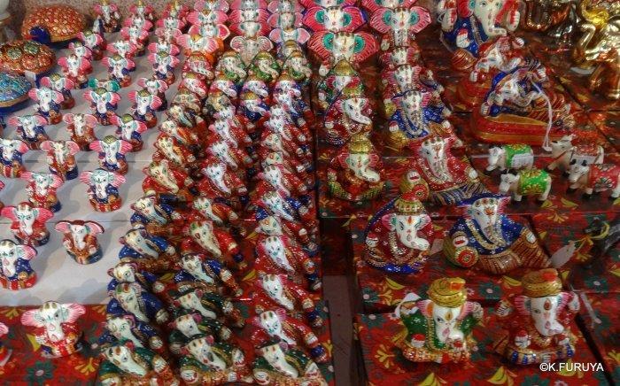 インド・ラジャスタンの旅 16 ウダイプールひとり歩き_a0092659_01301100.jpg