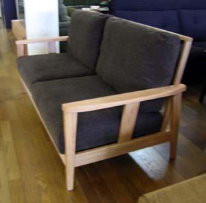 シンプルで座り心地のいいソファ_d0156886_15562717.jpg