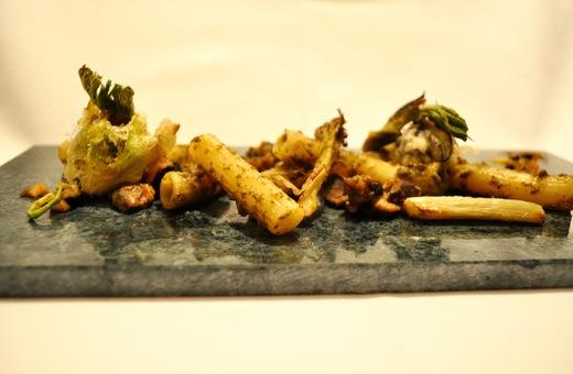 旬菜コース ショートパスタで山菜とエスカルゴ とうの森のイメージ_c0130206_18183392.jpg