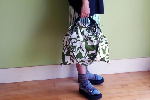 持ち方いろいろ「wear bag」_e0243765_00580633.jpg