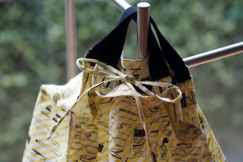持ち方いろいろ「wear bag」_e0243765_01062324.jpg