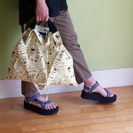 持ち方いろいろ「wear bag」_e0243765_01183831.jpg