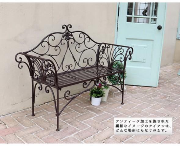アンティークな素敵なベンチご紹介~♪_f0029571_12291285.jpg
