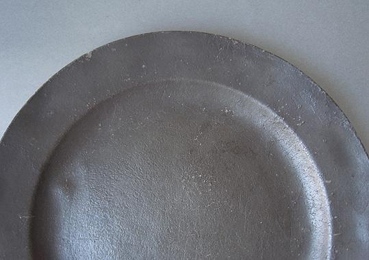 ピューターの皿2点_e0111789_1110594.jpg
