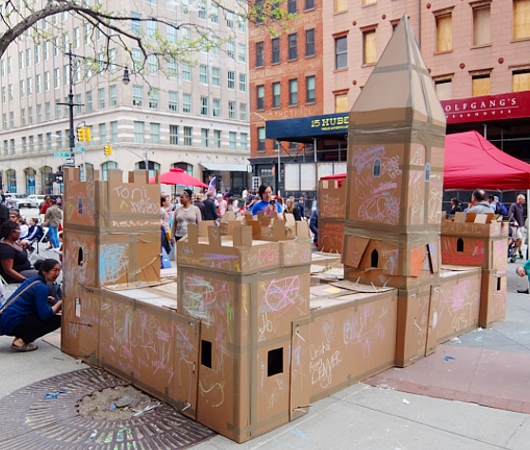 Tribeca on Location、ダンボールのお城から学ぶこと_b0007805_23514121.jpg
