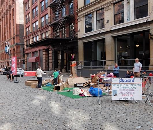 Tribeca on Location、ダンボールのお城から学ぶこと_b0007805_23532956.jpg