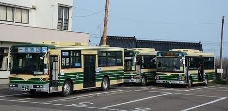 頸北観光バスのエルガミオ 2題_e0030537_02493700.jpg