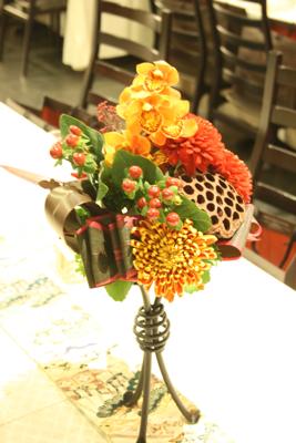 博多百年蔵 会場装花(個性的赤系かっこよく)_e0149863_21574191.jpg