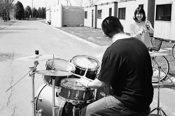 ドラム練習とキャンパスのコブシ_c0182775_1782729.jpg