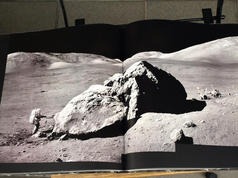スタンリー・キューブリックが関与していると噂される、美し過ぎる月着陸の写真集の裏側_e0122680_20430612.jpg