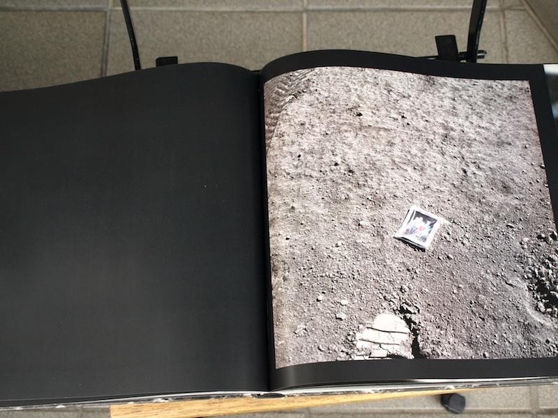 スタンリー・キューブリックが関与していると噂される、美し過ぎる月着陸の写真集の裏側_e0122680_20441684.jpg