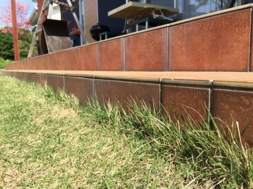 芝生の手入れ_e0149215_12013898.jpg
