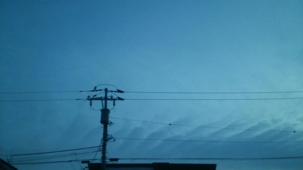 地震雲_b0106766_23290544.jpg