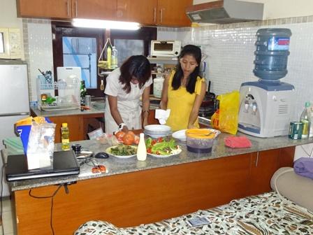 自宅で日本食パーティーをする_d0083068_8535020.jpg