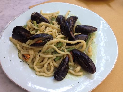 ムール貝のピチを食べられるお店_a0136671_0155825.jpg