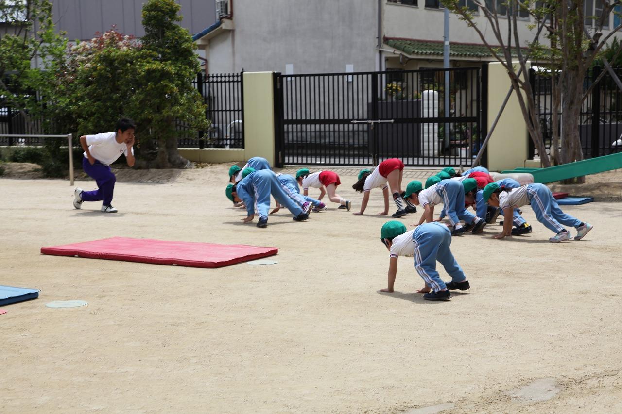 体操(年長・年中組)_b0277979_16552761.jpg