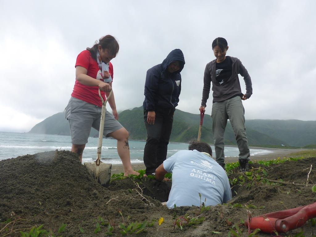4/23 骨掘り会_a0010095_7495566.jpg